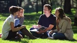 Öğrencilere burs imkanı sunan vakıflar