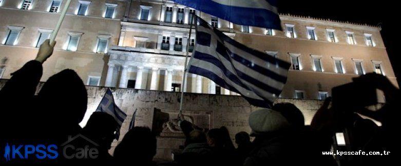 Syriza'nın genel merkezi işgal edildi