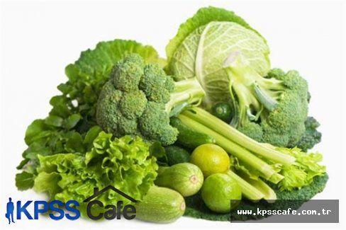 Beyninizi Genç Tutmak İçin Yeşil Yapraklı Sebzeler Tüketin