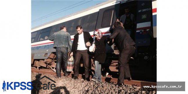 İzmir'de Tren Raydan Çıktı