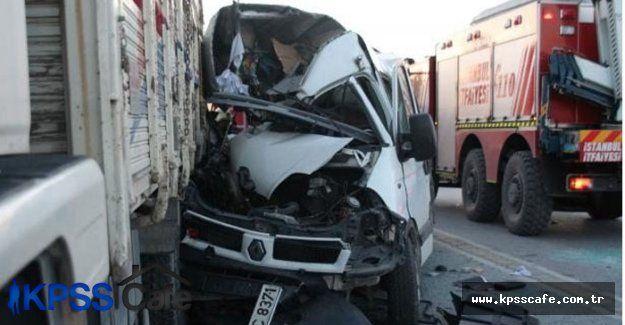 Bahçeşirde feci trafik kazası:3 ölü, 6 ağır yaralı