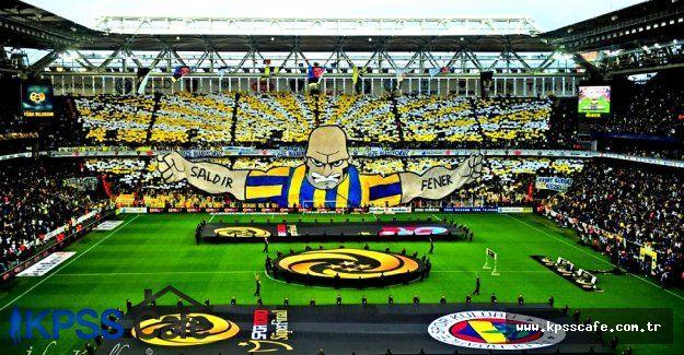Fenerbahçe maçı kazandı sahada bayraklar dalgalandı