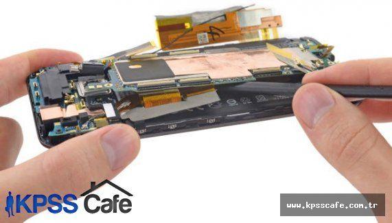 HTC One M9 parça pincik oldu