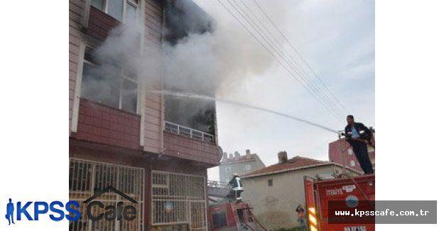Benzinle soba yakmaya çalışırken Apartmanı yaktı
