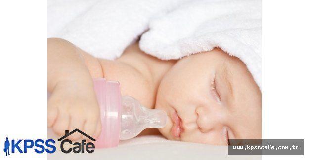 Bebeklere emmeleri için şeker vermeyin