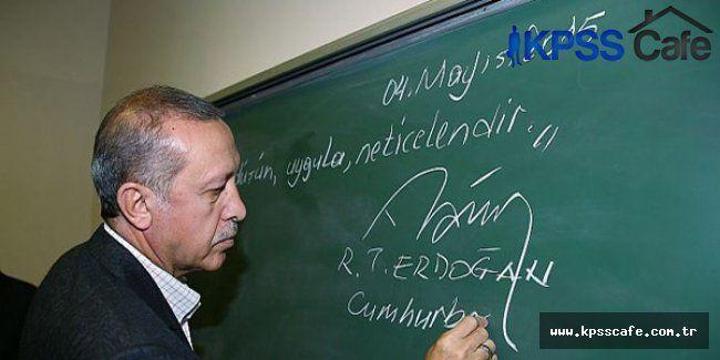 """Erdoğan, tahtaya, """"Oku, düşün, uygula, neticelendir"""" yazdı"""