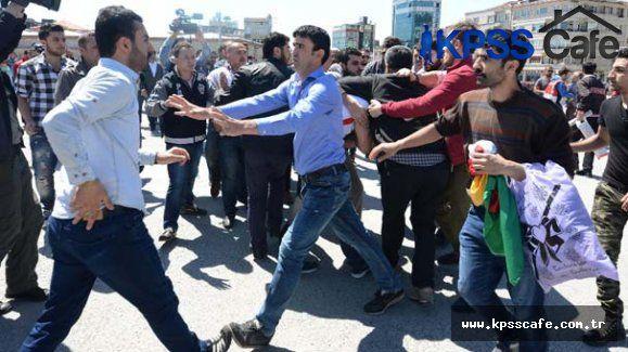 Suriyeli eylemciler Taksim'i karıştırdı
