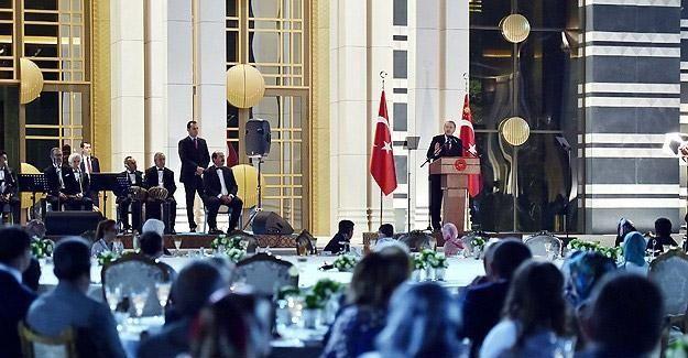 Erdoğan yardımda bulunduğu ailelerle de iftarda buluştu