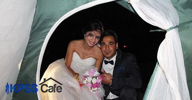 Balayını çadırda geçirdiler