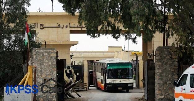 Mısır Refah Sınır Kapısı'nı açtı
