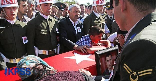 Şehit Jandarma Aydemir'in cenazesi toprağa verildi