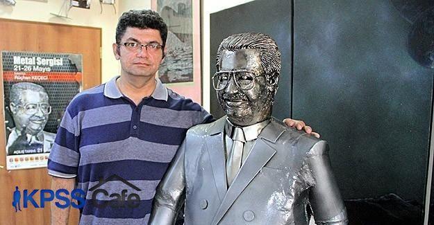 Hurda metallerden Özal'ın heykelini yaptı