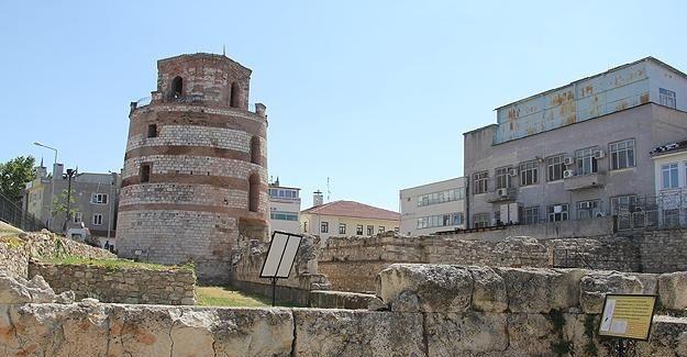Roma'dan kalan tarihi kule restore edilecek