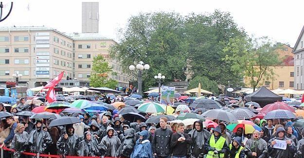 İsveç'te sığınmacılar için gösteri düzenlendi