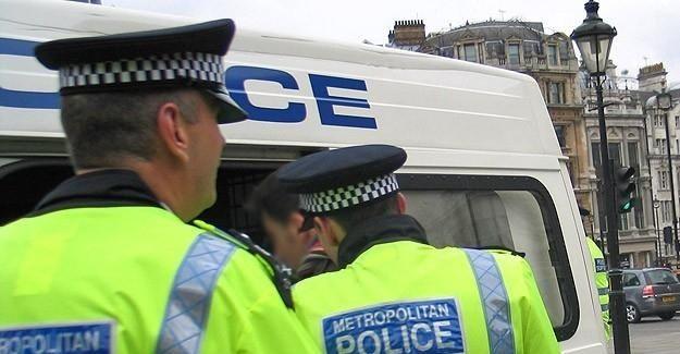İngiltere'de terör bağlantılı gözaltılar en yüksek seviyede