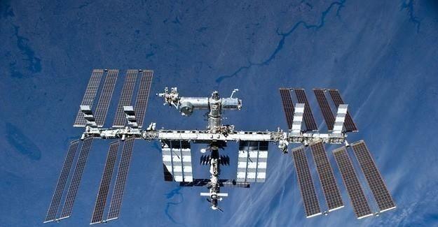 Uzayda en uzun süre kalan kozmonot Dünya'ya döndü