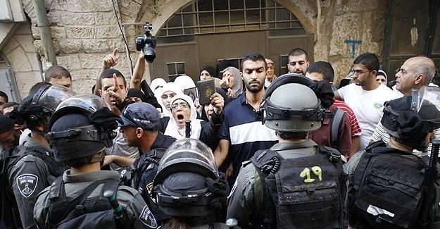 İsrail askerleri gazetecilere saldırdı