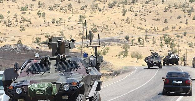 Muş'ta askeri araca bombalı saldırı: 12 asker yaralı