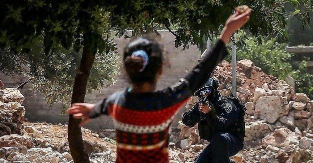 İsrail şimdi de anne babaları cezalandıracak