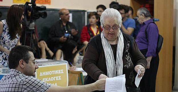 Yunanistan'da halk sandık başında