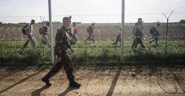 Macar ordusuna sığınmacılara müdahale izni