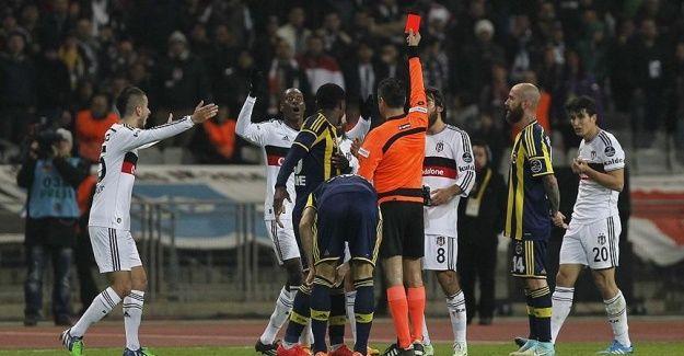 Beşiktaş derbilerde 'kızarıyor'