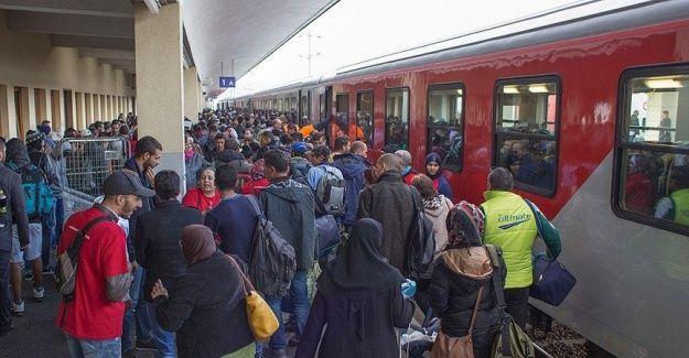 Avusturya Almanya'ya yapılan tren seferlerini durdurdu