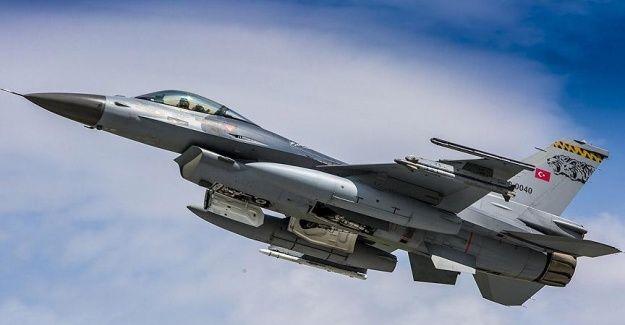 Türk hava sahasını ihlal eden Rus uçağı F-16'lar tarafından önlendi