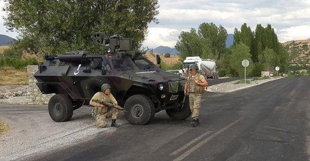 Teröristler Gaziantep'te güvenlik güçlerine ateş açtı: 1 asker şehit