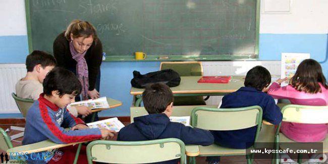 İş bulamayan öğretmenler başka mesleklere adım atıyor
