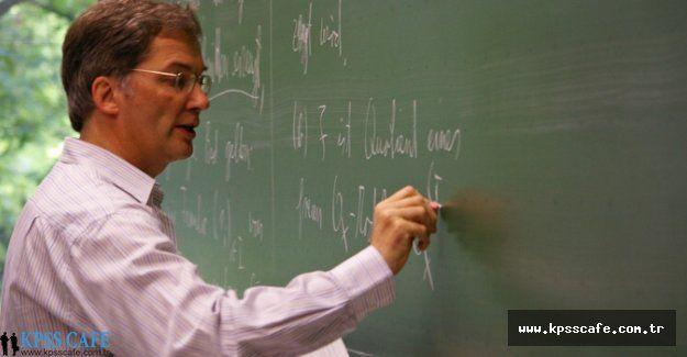 Hangi Unvanlarda Görev Yapanlar Öğretim Üyesi Sayılır?