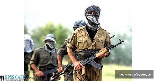 Diyarbakır'da 2 Okul PKK'lılar Tarafından Yakıldı