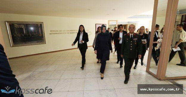 Aile Bakanı Tedavi Altında Olan Asker ve Polislerimizi Ziyaret Etti