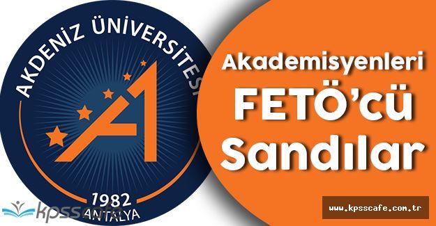 Akademisyenleri FETÖ'cü Sanıp Gözaltına Aldılar