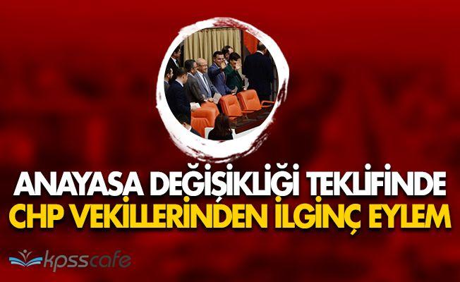 Cumhuriyet Halk Partisi (CHP) Vekillerinden Meclis Kabininde Düşünme Eylemi