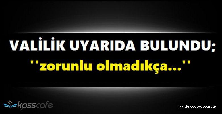 Şiddetli Yağmur Ağaçları Devirdi, İstanbul Valiliği Vatandaşları Uyardı