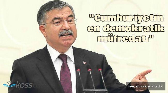 """İsmet Yılmaz: """"Cumhuriyetin En Demokratik Müfredatı"""""""