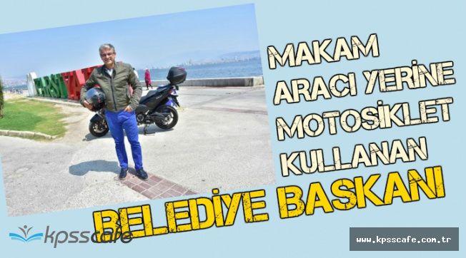 Makam Aracı Yerine Motosiklet Kullanan Belediye Başkanı İlgi Odağı Oldu