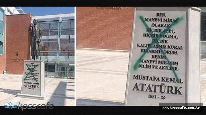 Eskişehir'deki Atatürk Heykeline Saldıran Şahıs Tutuklandı!