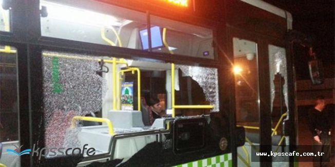 Adana'da Şehir Magandaları Halk Otobüsüne Saldırdı