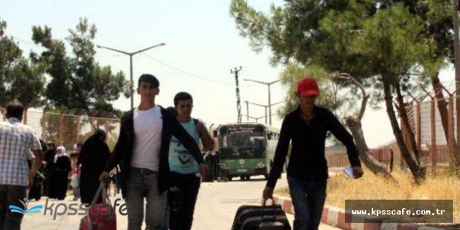 Bayrama Giden 44 Bin Suriyeli Türkiye'ye Döndü