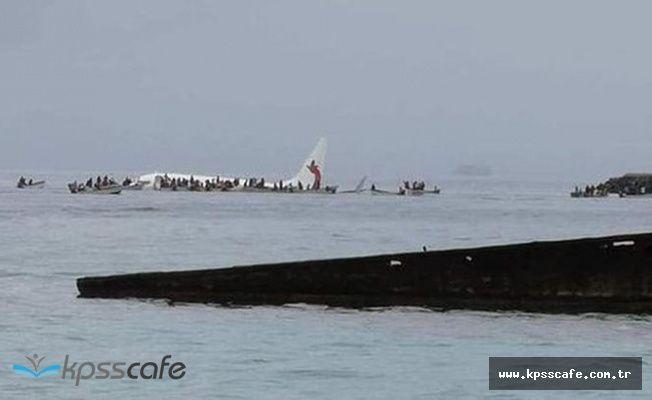 Yolcu uçağı denize acil iniş yaptı