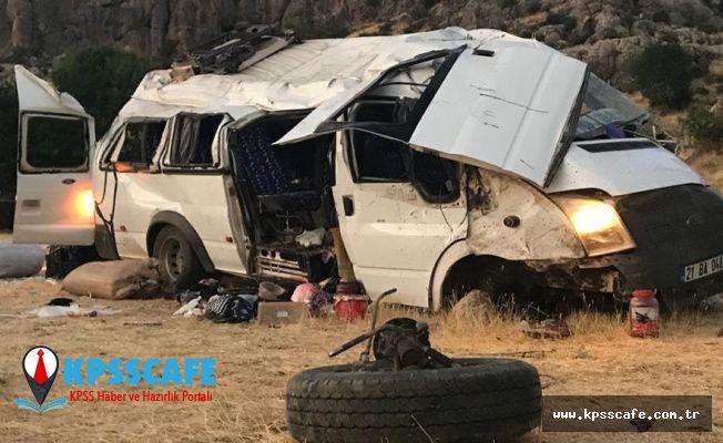 İşçileri taşıyan minibüs kaza yaptı: 10'u ağır 25 yaralı