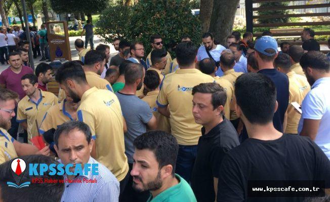 İşten çıkarılan İSPARK çalışanları, İBB önünde toplandı: 'Hiçbir yüz kızartıcı sebep yok, dönmek istiyoruz'