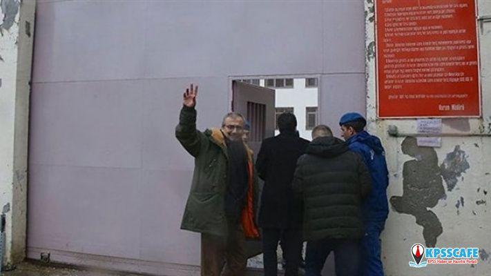 Son Dakika:Sırrı Süreyya Önder tahliye edildi!