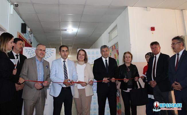 """""""Eğitime Uzanan Yol"""" 20 ilde kurulan 60 özel sınıfla otizmli çocuklara umut oldu"""