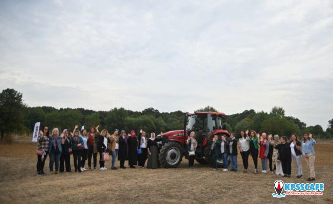 Türktraktör Dünya Kadın Çiftçiler Günü'nü Son Teknolojisiyle Kutladı!