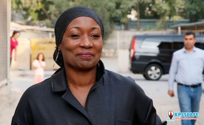 ABD'li sanatçı Della Miles'tan Barış Pınarı Harekatı'na destek: Ben operasyon için 'Lütfen durmayın, yürüyün' diyorum