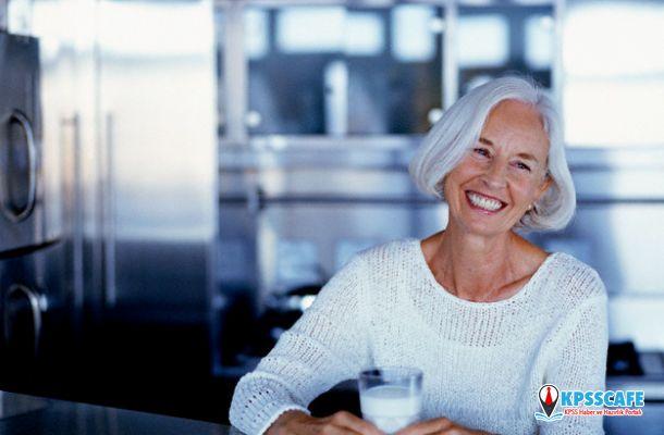 Menopoz döneminde light süt içerek kalsiyum ihtiyacınızı karşılayın!