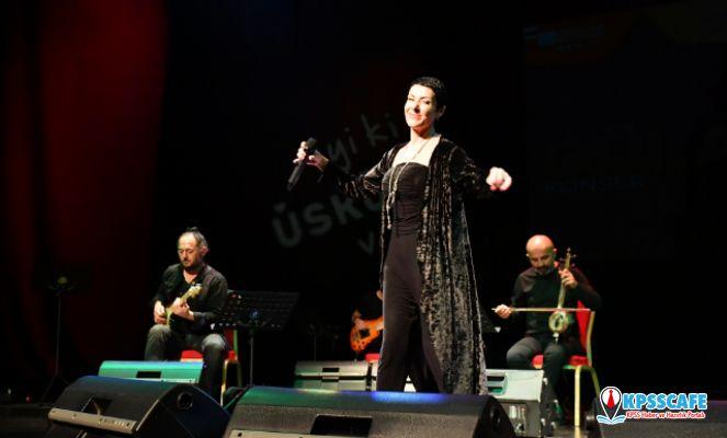 Sanatçı Gülay Sezer, Üsküdar'da, Tüm İstanbullulara Müzik Ziyafeti Yaşattı
